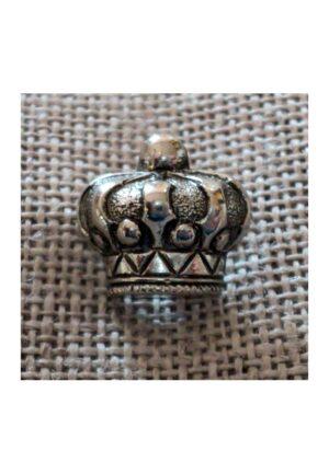 Bouton argenté couronne 13mm, un bouton royal