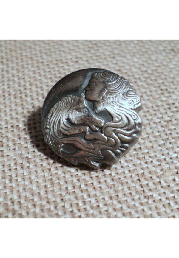 Bouton la tête de cheval et la tête de dame 15mm argenté ancien