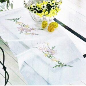 Chemin de table 40x90 cm, kit complet, broderie au point de tige, les fleurs, nappe blanc pré-imprimé
