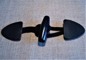 Fermoir brandebourg cuir MARINE pour duffle-coat avec cordon et bouton en marine
