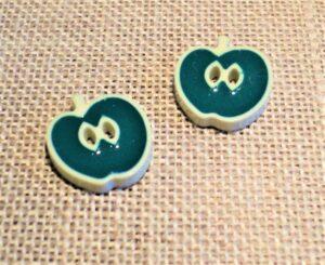 Bouton pomme 13mm vert, 2-trous, Petit bouton enfant, bébé